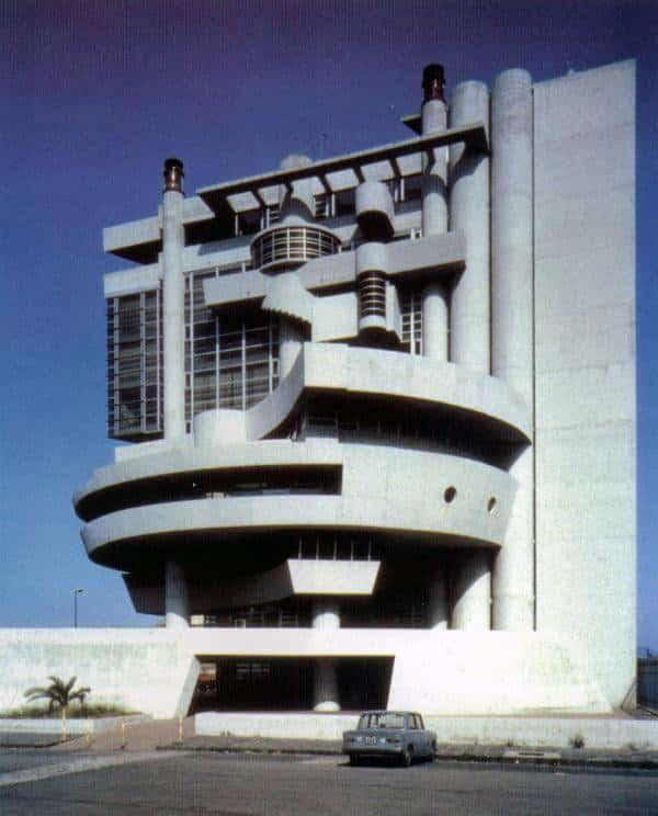 RT @Oniropolis: Aldo Rossi's Casa…