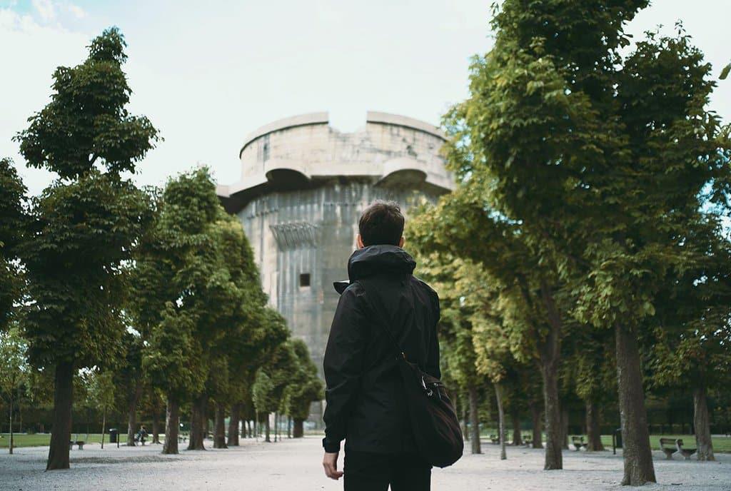 RT @aliceffekt: Massive Flak Towers…