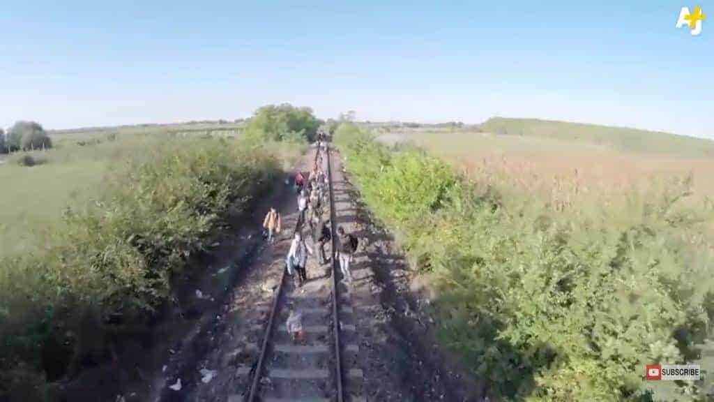 RT @arabthomness: #RefugeeCrisis: drone footage…
