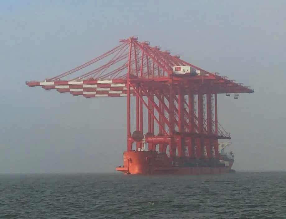 RT @Furmadamadam: Ship arriving from…