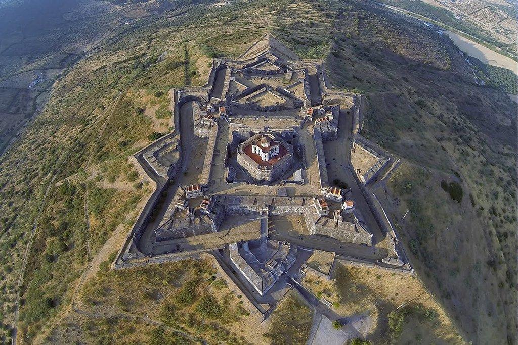 RT @EuropesHistory: The Star Fort…