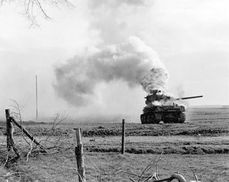 RT @WWIIpix: An knocked-out American…