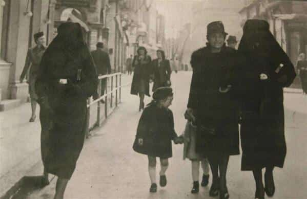 RT @HistoricalPics: A Muslim woman…