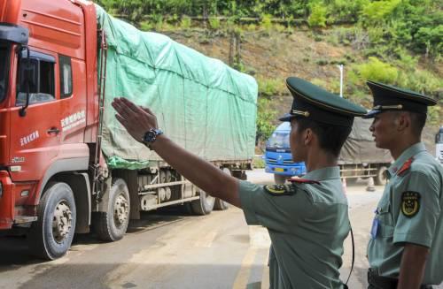 RT @XHNews: China-Vietnam trade grows…