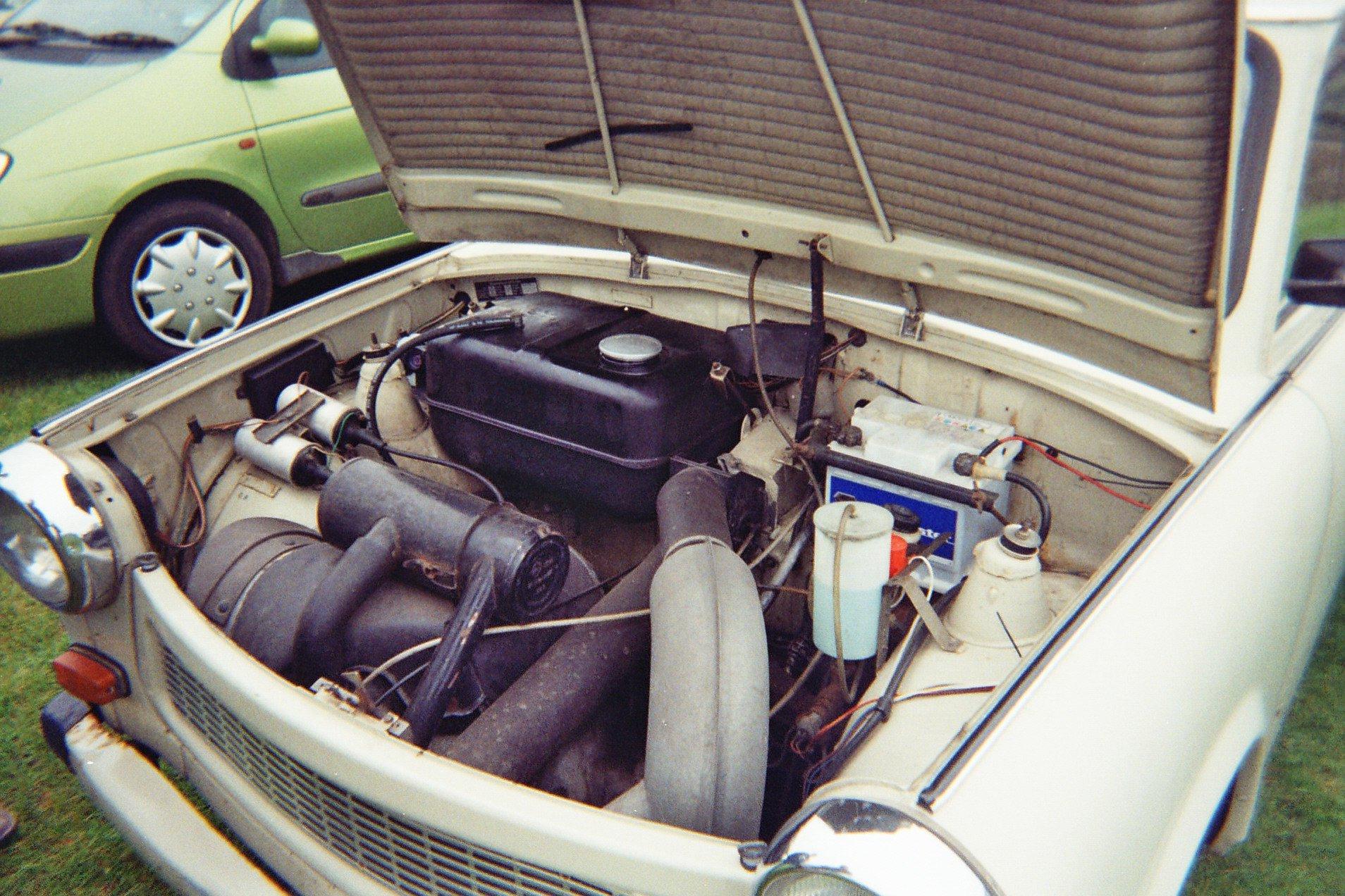 RT @HistoryNed: The Trabant had…