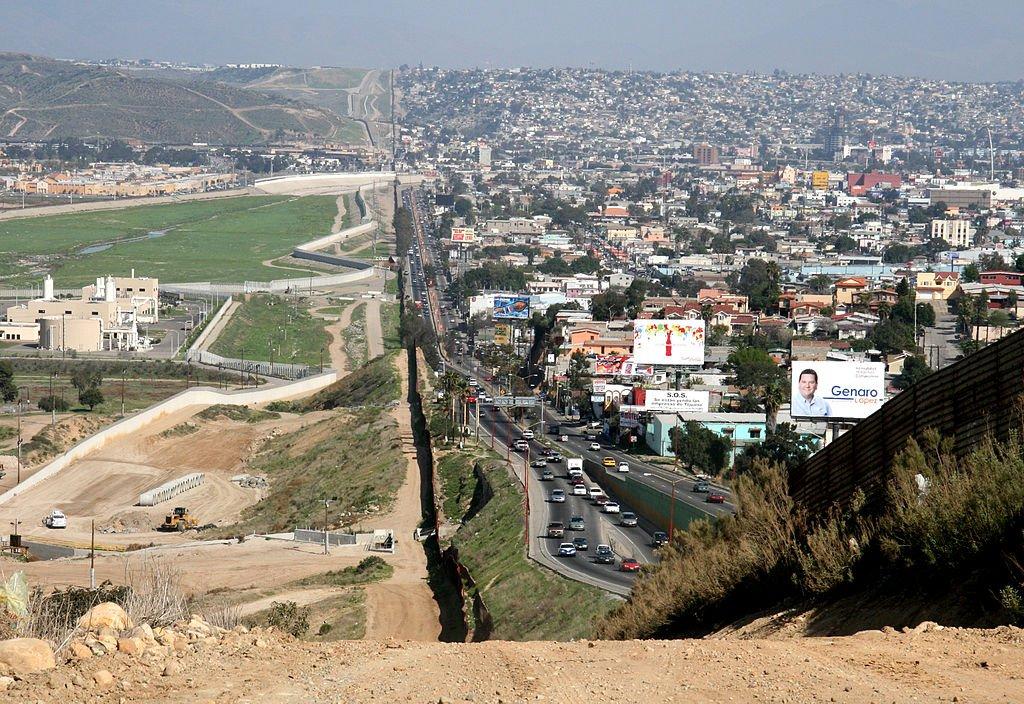 RT @spectatorindex: IMAGE: US-Mexico border,…