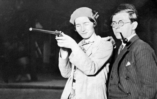 RT @historylvrsclub: Simone de Beauvoir…