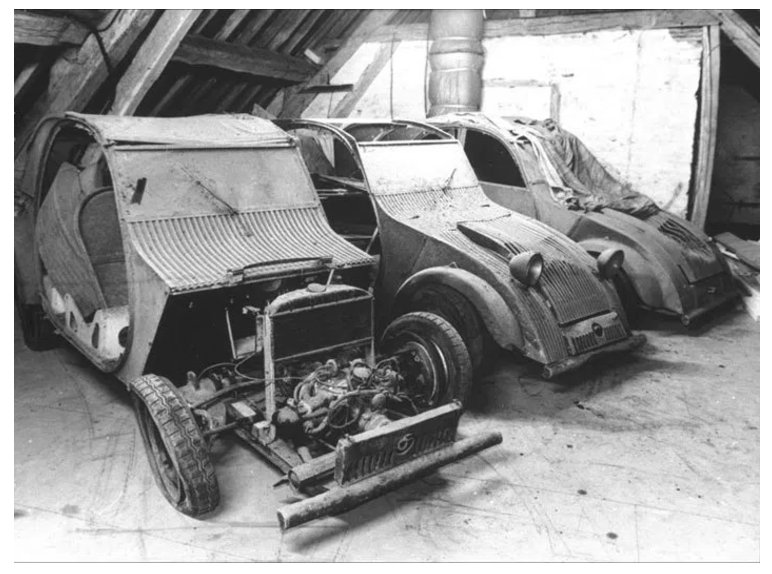 Three prototypes for the 2CV…