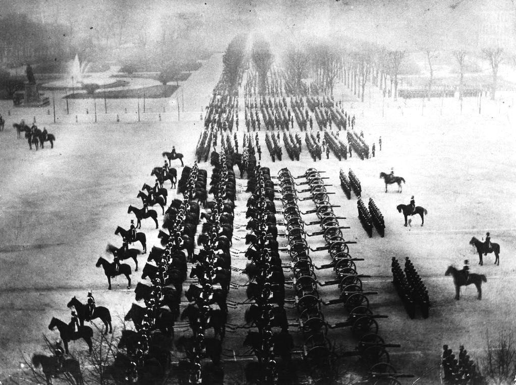 RT @historylvrsclub: German Victory Parade…