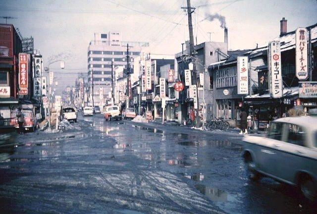 RT @historylvrsclub: Japan, 1960s https://t.co/iIbruGRzMY