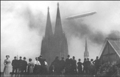 Zeppelin arrives in Cologne 5…