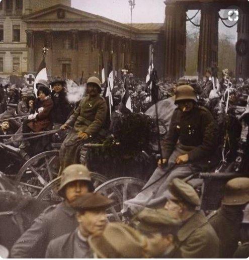 Soldiers at Brandenburg Gate 1918…