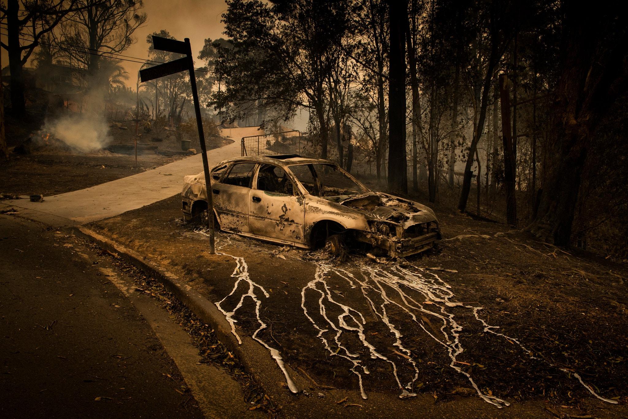 RT @christoq: Australia fires.  The melting…