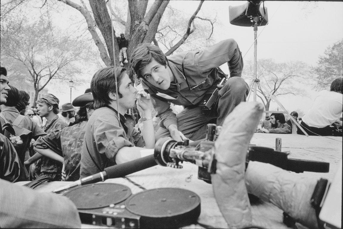 RT @historylvrsclub: John Kerry protesting…