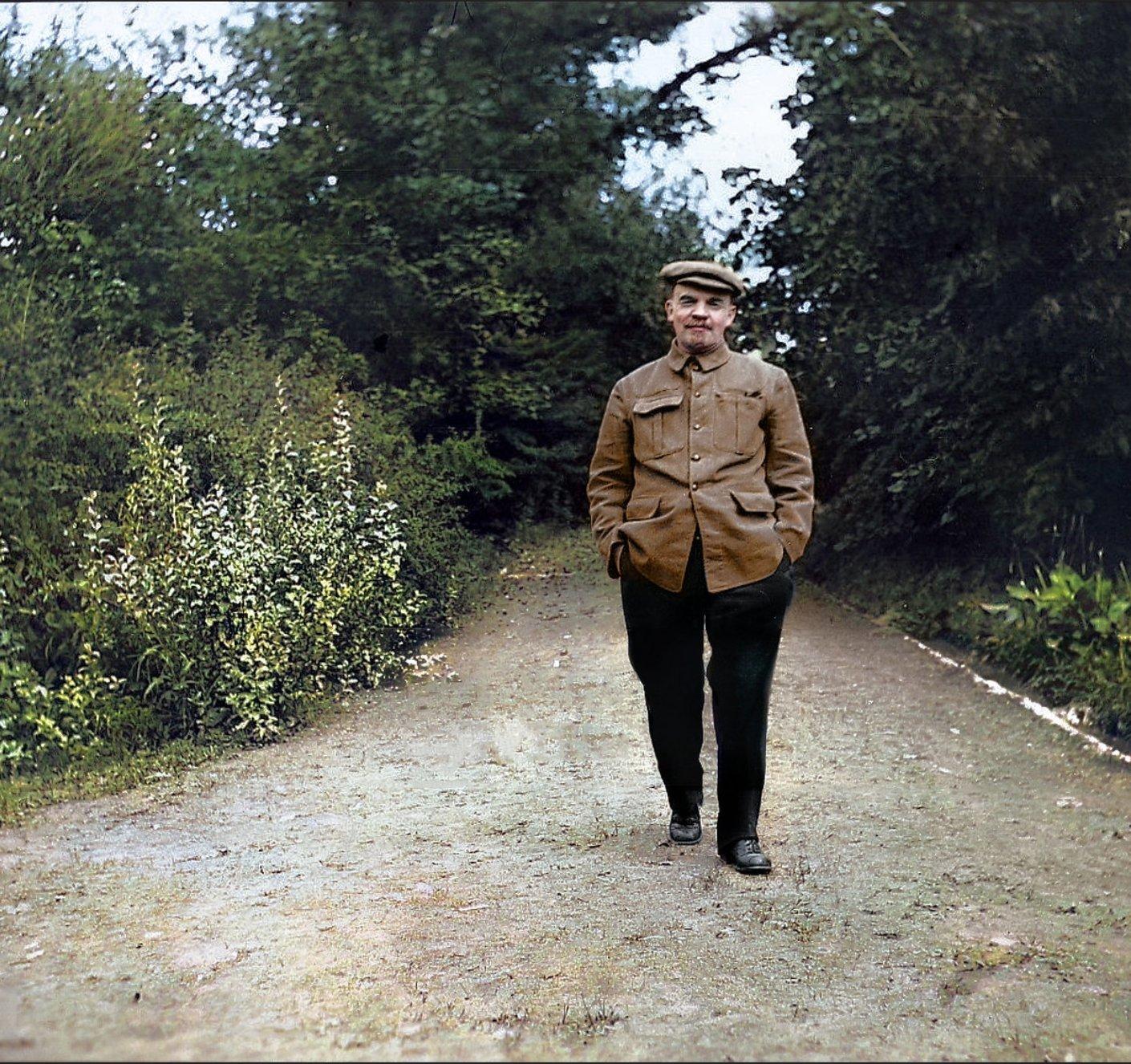 Lenin in 1922.  https://t.co/e5FDNkrrTc https://t.co/TIESqE2rrT